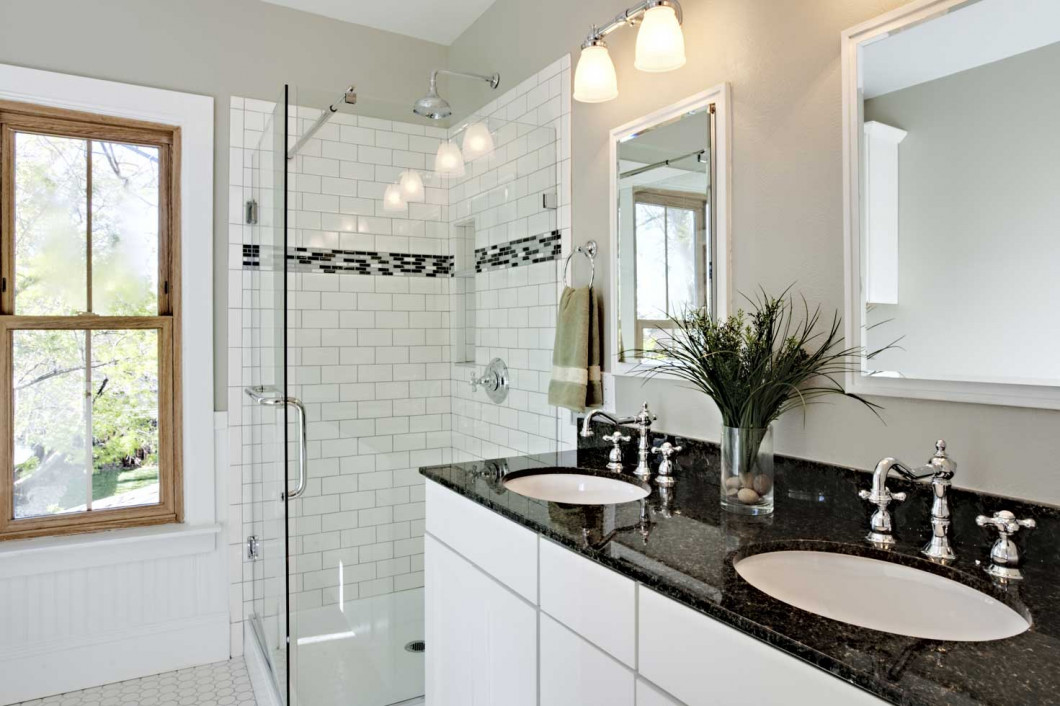Create a Relaxing, Spacious Bathroom